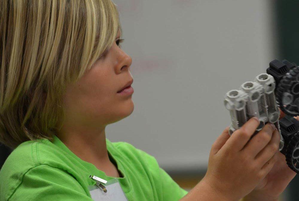 Hands-On Robotics at Oak Hills with Growing Outdoors! (Oak Park)